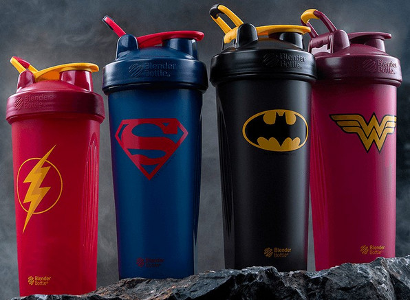 Les quatre shakers de super-héros BlenderBottle