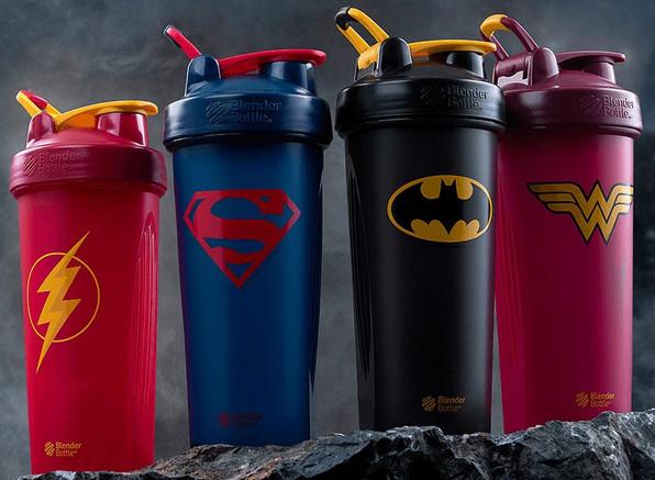 Les quatre shakers de super-héros BlenderBottle