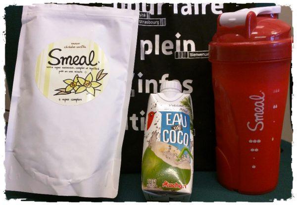 Bon, allez, aujourd'hui, je suis fou ! Je dilue mon Smeal vanille avec de l'eau de coco !!!